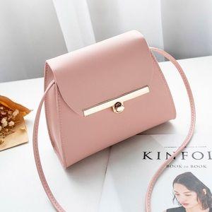 Handbags - 🔺RESTOCKED🔺Minimalist Crossbody Bag